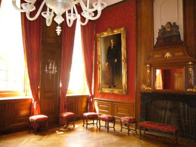Den Haag - Restauratie interieur stadhuis Groenmarkt - Nieuwe stoelen