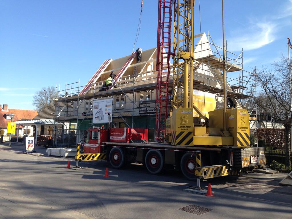 Uitbreiding bovenwoning Diepenveen - Kapconstructie wordt geplaatst