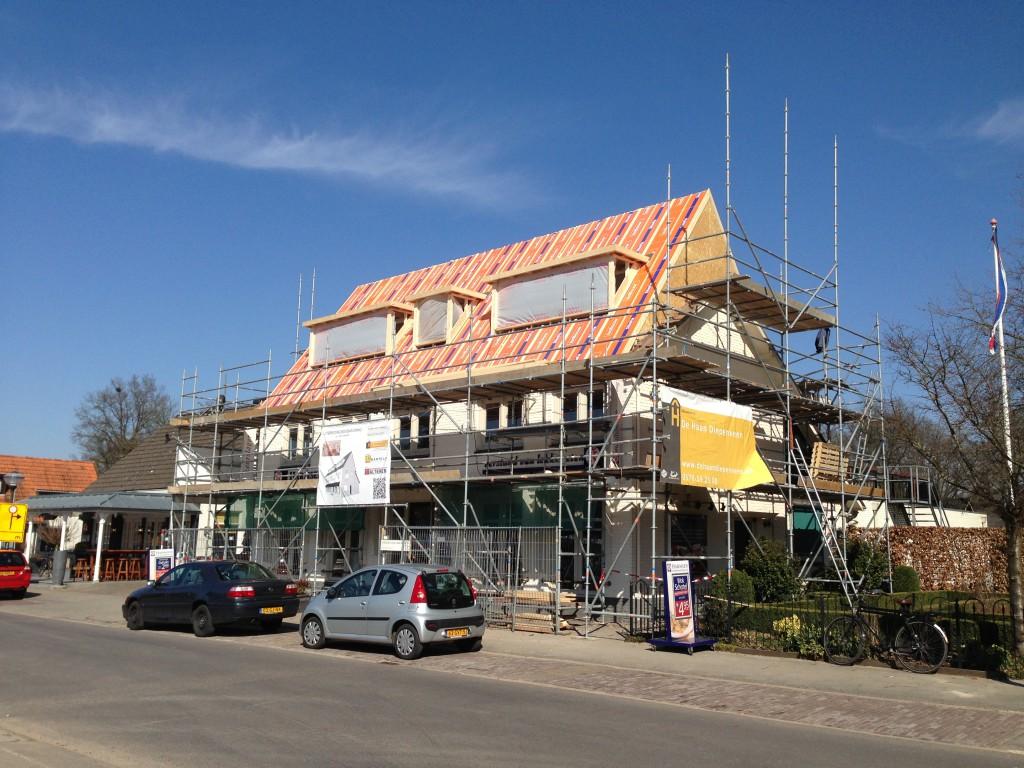 Uitbreiding bovenwoning Diepenveen - De dakplaten zijn geplaatst